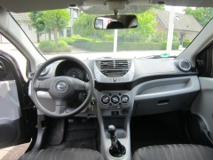 Nissan-Pixo-11